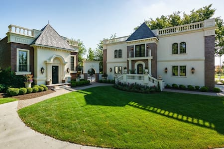 Chateau Mirabelle Main House ~Mini-Mansion