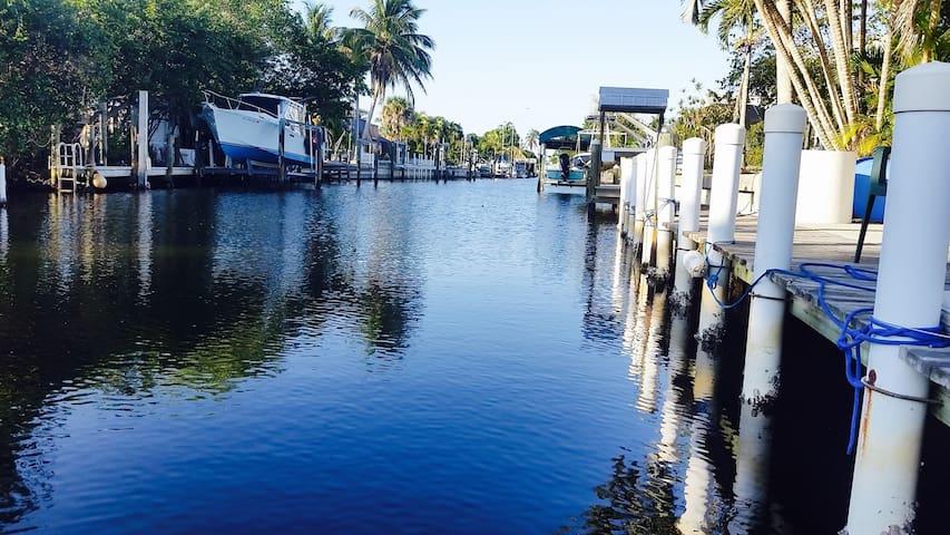The Captain's Quarters (waterfront)