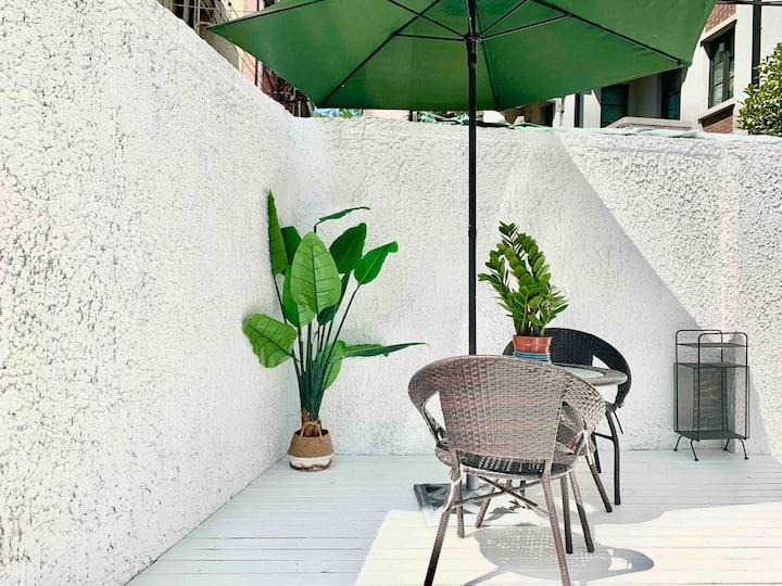 【五原路】复式北欧花园洋房| 带超大庭院| 近地铁1/7号线 | 网红打卡咖啡餐厅一条街