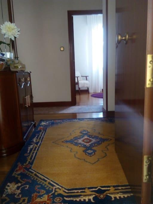 Entrada al piso / Entrée de l'appartement