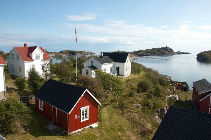 Vakthusøya - Gammelgården - Henningsvær - Island