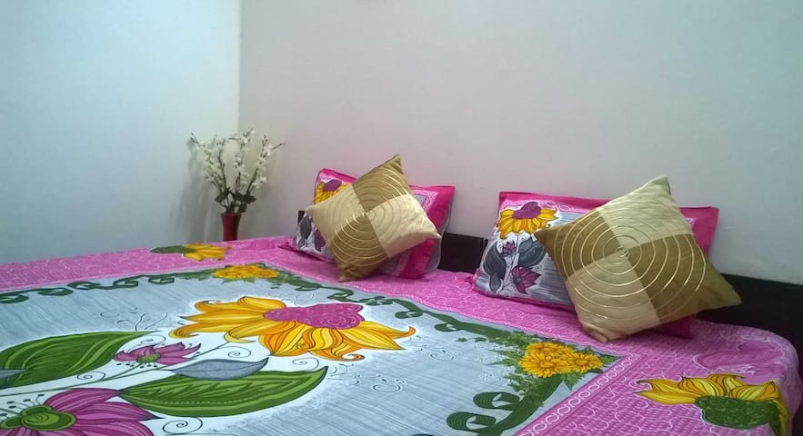 Cozy Room w/ European Bathroom HKV. JNU. AIIMS - Neu-Delhi - Bed & Breakfast