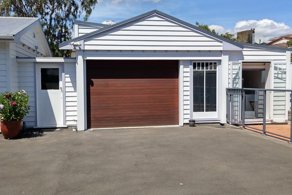 Separate entrance to unit at side of garage.