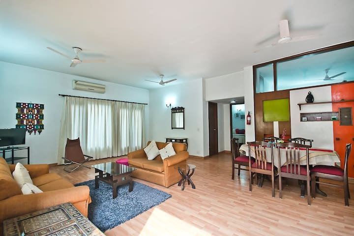 Luxury apartment. 2 bedroom 2 bath - Noida - Flat