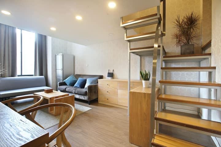 伊间 昌平路 儿童医院 静安区奇居LOFT  层高4米的舒适空间可住八人