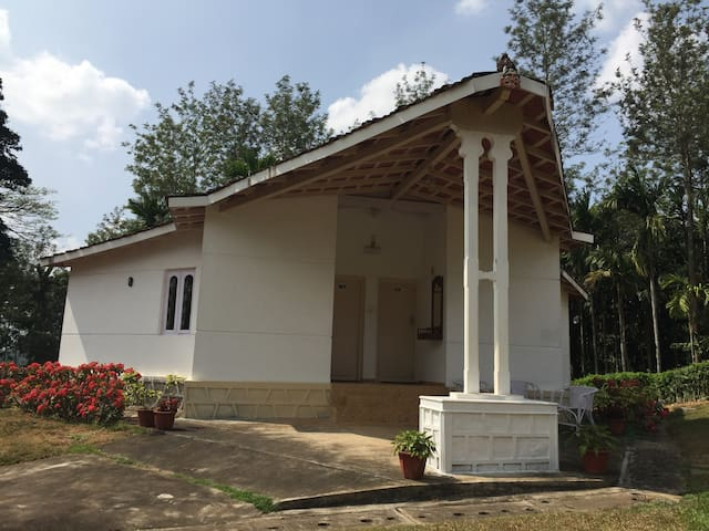 Vansukh: 2-bedroom cottage: Room #2 - Kutta