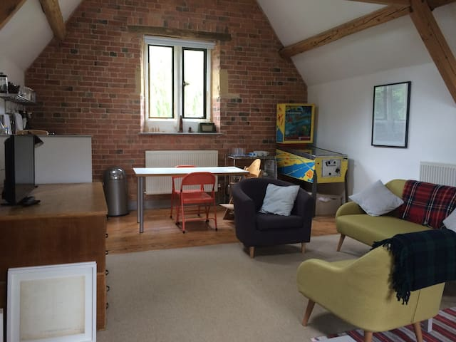 The Coach House Loft - Cotswold bolthole - Moreton-in-Marsh - Apartment