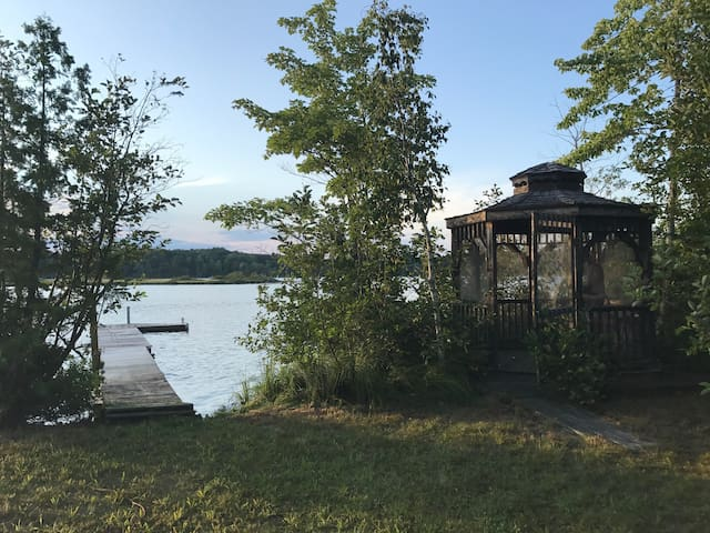 Modern charm on the lake