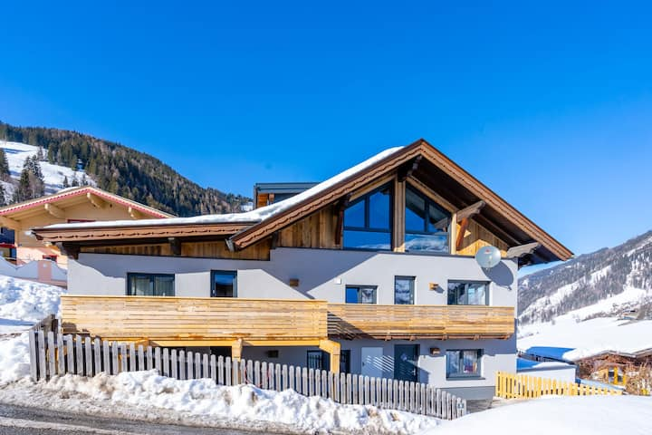 Attractive holiday home in Rauris, near the ski piste