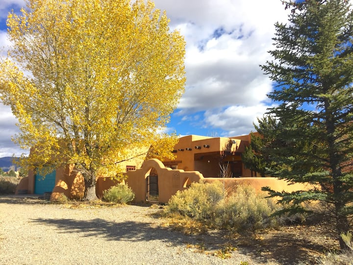 TRANQUIL GET AWAY between Taos and Ski Valley