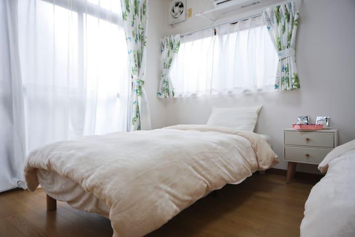 Western style room near Ikebukuro