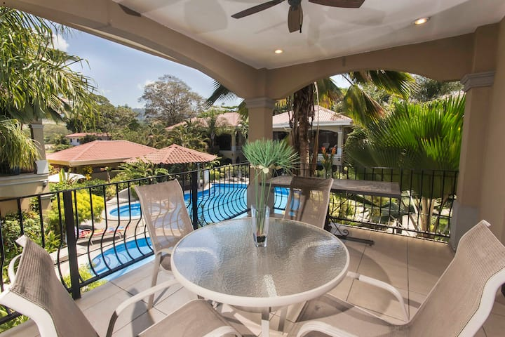 FULLY EQUIPPED VACATION CONDO, with BALCONY Unit#7