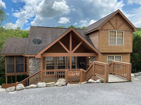 Airbnb Superhost - Best Cabin in StoneBridge!