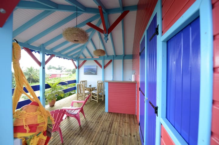Bungalow tropical neuf avec vue sur lagon