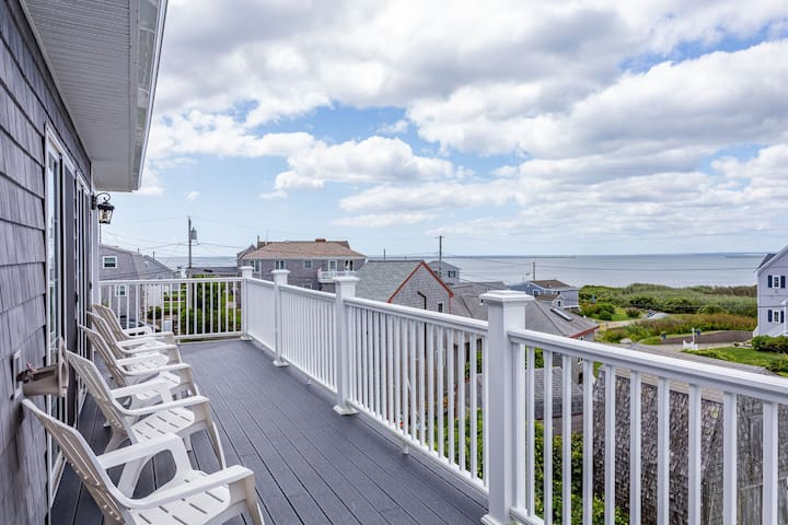 Ocean Views, Neighborhood Beach, A/C, 5 Beds
