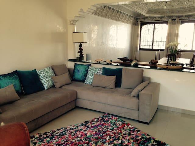 Villa tout confort, quartier résidentiel