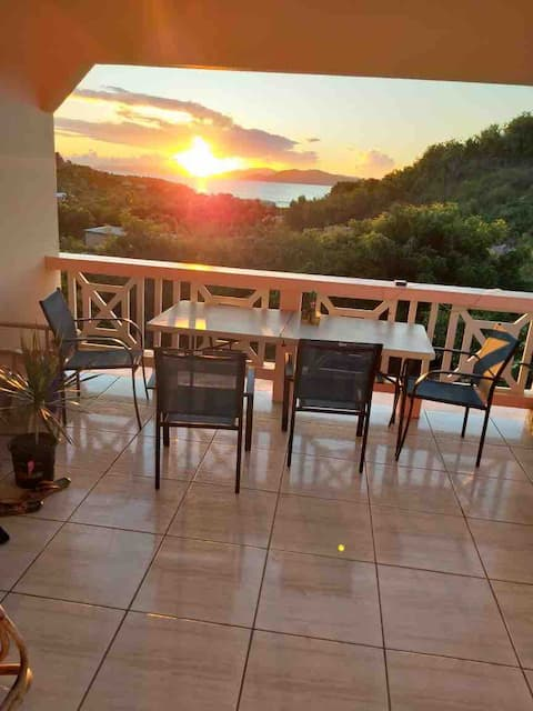 (Cendra's) Sunset Views in Paradise! (Value Ocean)