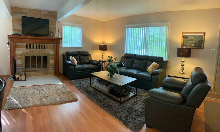 Large, cozy home for year-round recreational use