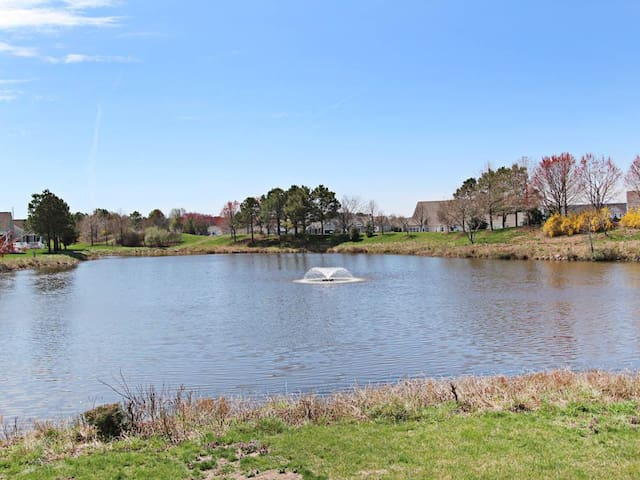 60AOG: 3BR 1st FL Condo W/Pond Views at Bear Trap - Complimentary Linens!