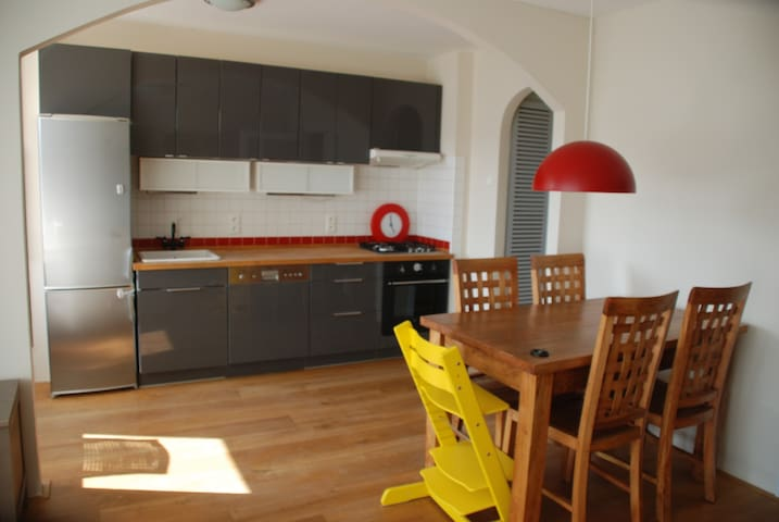Cosy flat 20 minutes from Center of Prague. - Praha - Byt