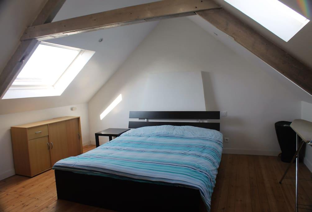 Grande chambre avec lit 200x160