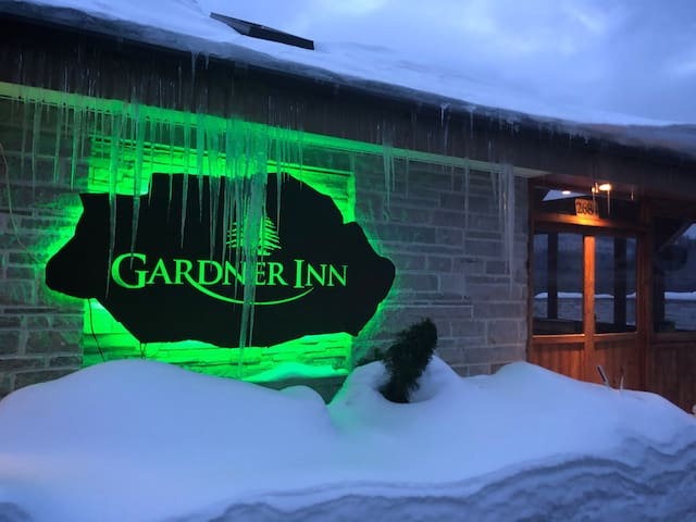 Gardner Inn