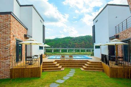 독채풀빌라 서로하우스 빌라에이 - Chuncheon-si - Rumah