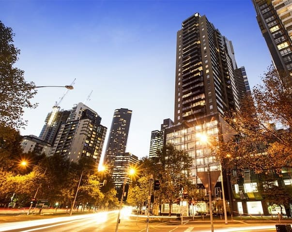 Melbourne and Southbank Gem with 3 Bedrooms