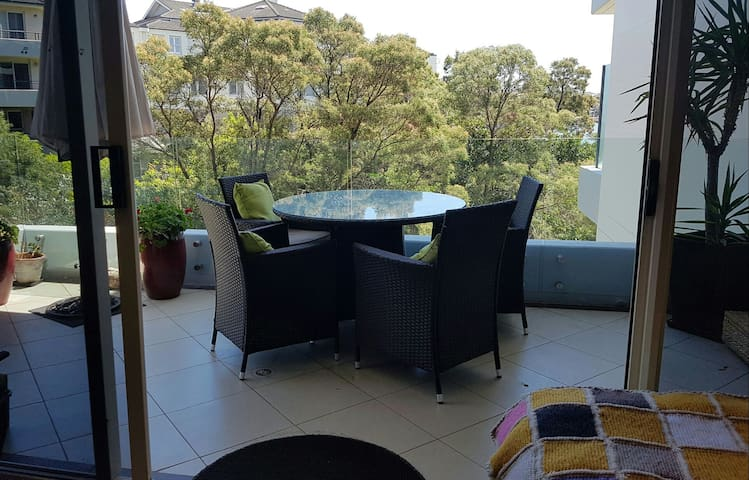 Light-filled modern apartment close to Sydney cbd. - Chiswick