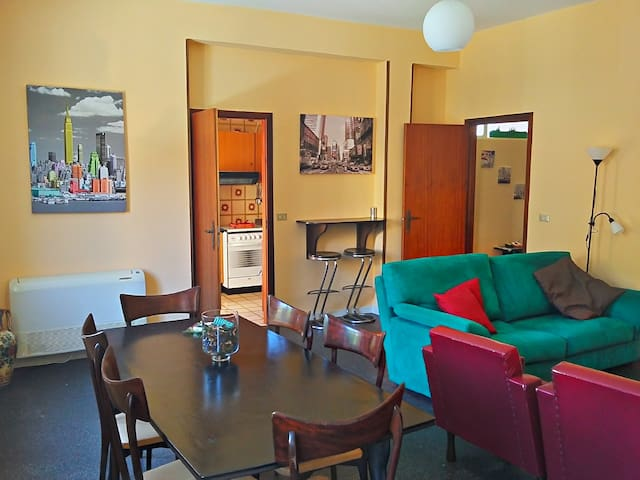 Casadada, first floor apartment - Torremuzza - Appartement