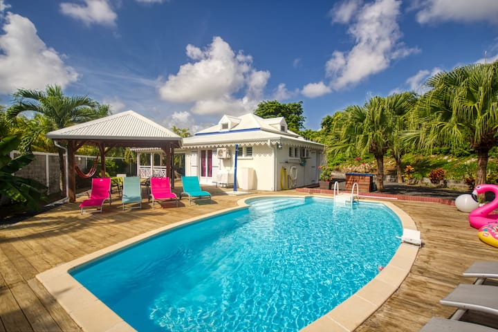 Villa de standing avec piscine (GPSF136)