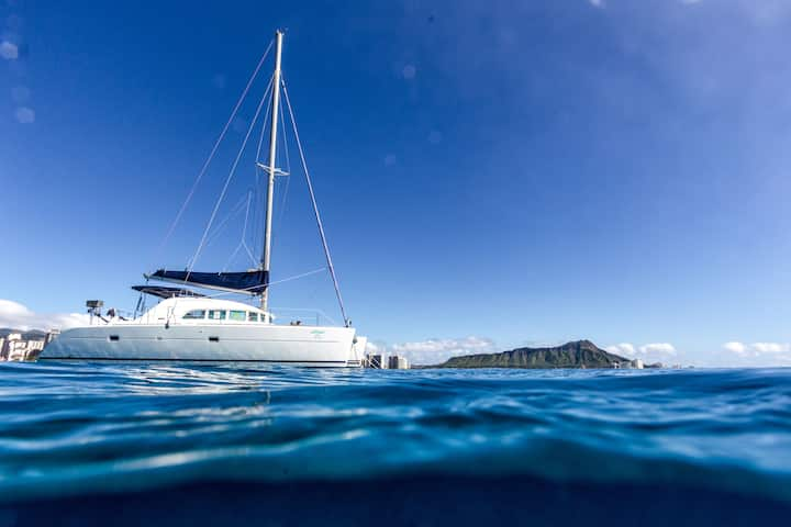 Private Yacht in Paradise with Cruise included!