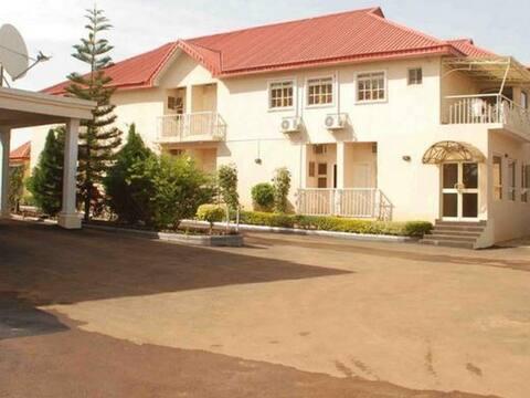 Steffan Hotel & Suites