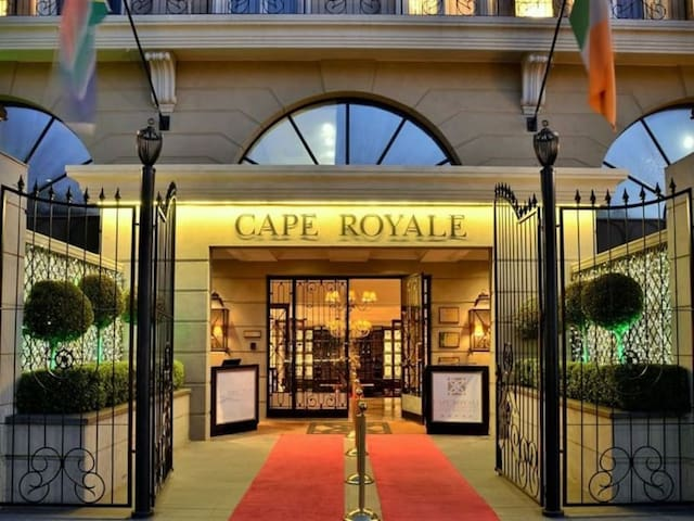 Be welcomed like royalty on the red carpet every time you enter