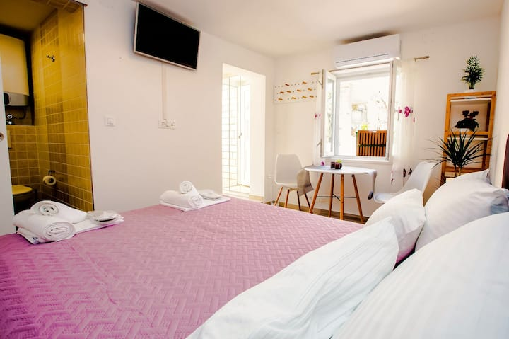 Brand New Cozy Apartment Aquaro