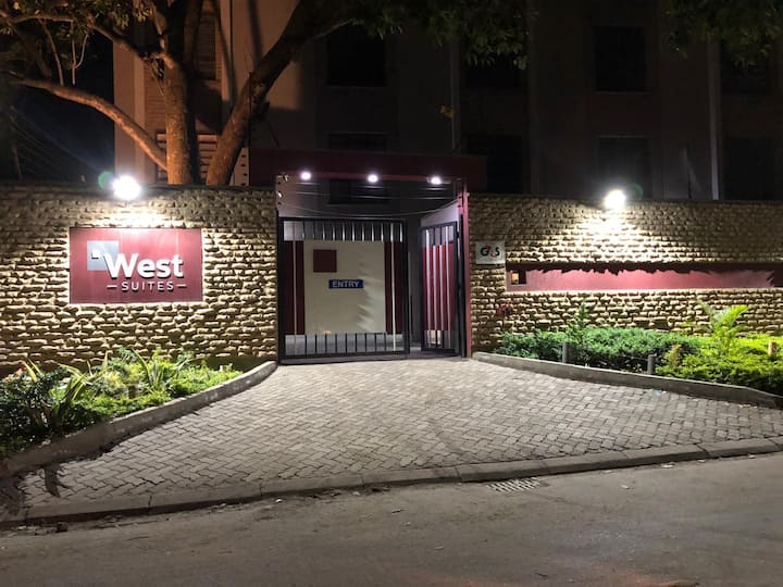 Compact Home away from Home-Nairobi West Suite