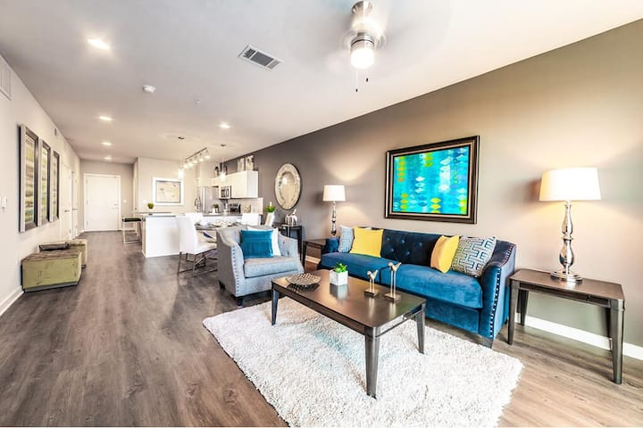 Upscale 2BR w/ hotel-like amenities in Fort Worth