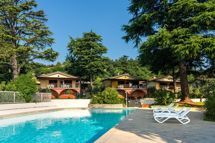 Ruhiges Apartment in Manerba del Garda mit Pool