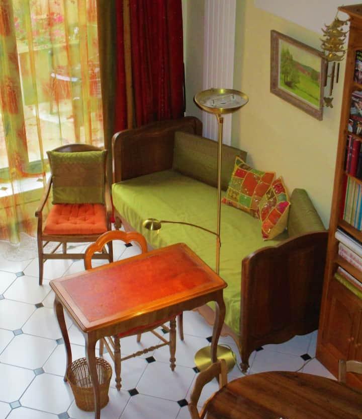 Pour femme - Lit séjour 1p à Lyon Croix-Rousse 4è