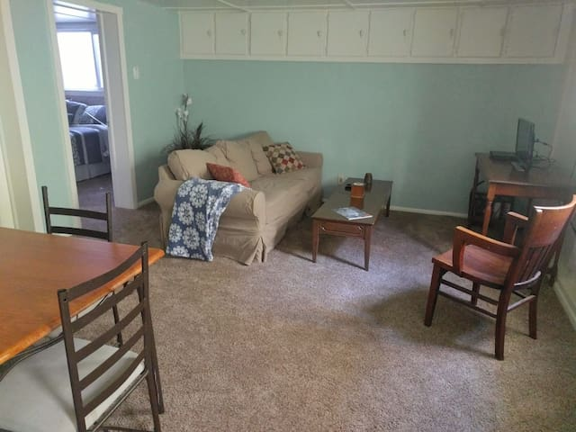 Cozy, Private Full Apartment in Downtown Paonia