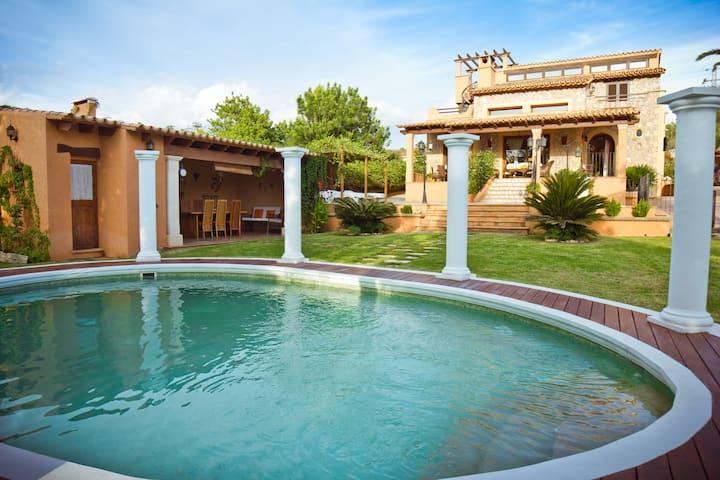 Villa Alzina, Lujo y Relax en Mallorca