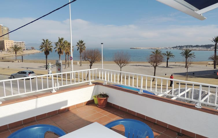 Holiday apartment with 2 bedrooms on 50m² in L´Escala