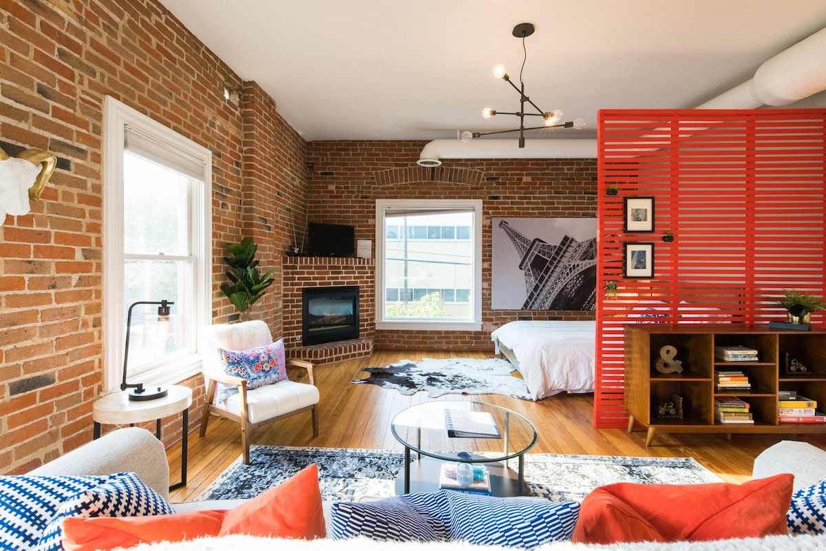 Affordable Airbnbs in Denver Colorful Cap Hill Loft