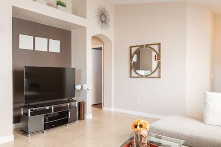 Super cozy ,3 bedroom single house! - North Las Vegas - Haus