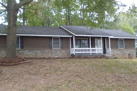 Amazing Ranch House. Peaceful and Comfortable - Ellenwood