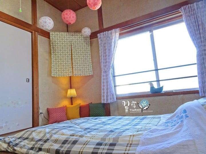 漁港沙灘內的日式老屋合法民宿,一人與多人都能安心入住!鄰近24小時餐廳、超市,探索糸島的最佳旅宿選擇