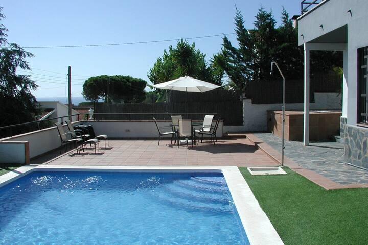 Villa exótica en Sant Pol de Mar con piscina privada
