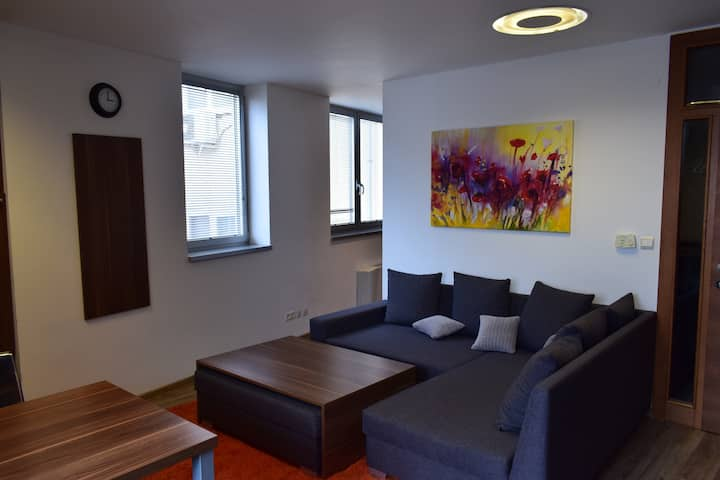 22nd Uprising Square - Incredible 7th Floor Apt