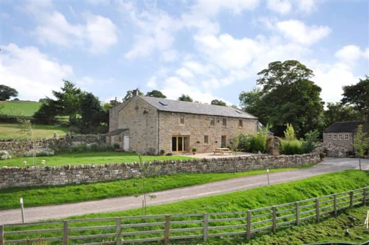 Rookery Barn  Harrogate stunning barn 2,800sqft