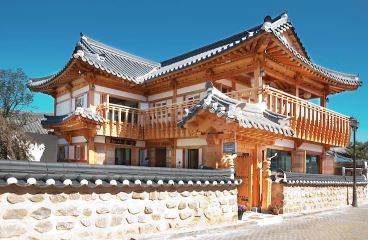 고품격 2층, 탁트인 전망과 청결한 안식처 - 한지꿀잠 [목단실] - Wansan-gu, Jeonju-si - Pension (Korea)